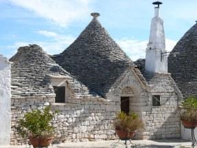 10-9 Alberobello trulli houses