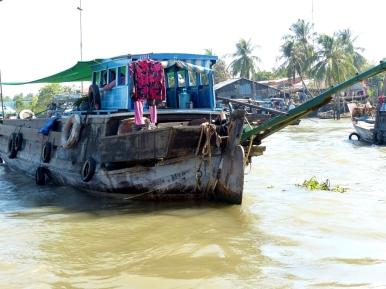blog6 01 Mekong Boat Show
