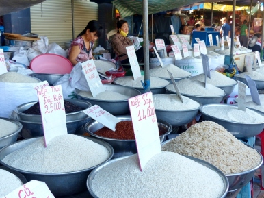 blog6 12 shopping on the Mekong-50 shades of rice