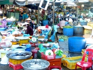 blog6 13 shopping on the Mekong