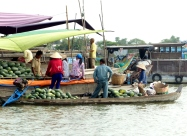 blog6 15 shopping on the Mekong-floating markets