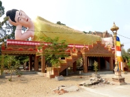 blog8 30 dusty village life-reclining Buddha