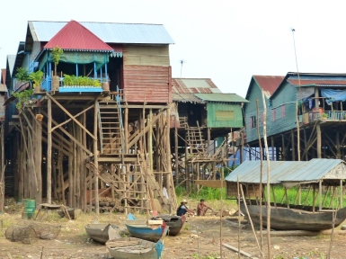 blog9 08 Kompong Khleang stilt-village