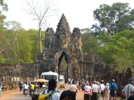 blog9 15 Angkor Thom gate