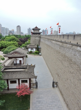 10-25 Xi'an - Ming walls