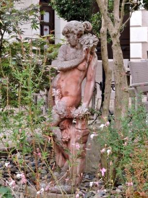 05-06-auberge-du-bon-laboureur-763x1024
