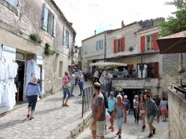 08-10-les-baux-de-provence-1024x768