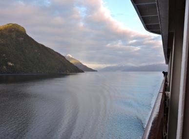 03-16 Chilean Fjords (800x593)