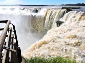 08-10 Iguazu - the Devil's Throat (800x599)