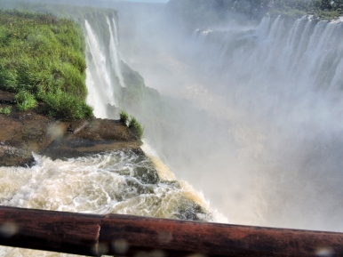 08-12 Iguazu - the Devil's Throat (800x600)
