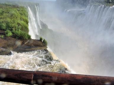 08-12 Iguazu - the Devil's Throat (800x600)