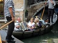 04-22 Venice-Gondola Serenade (1024x768)