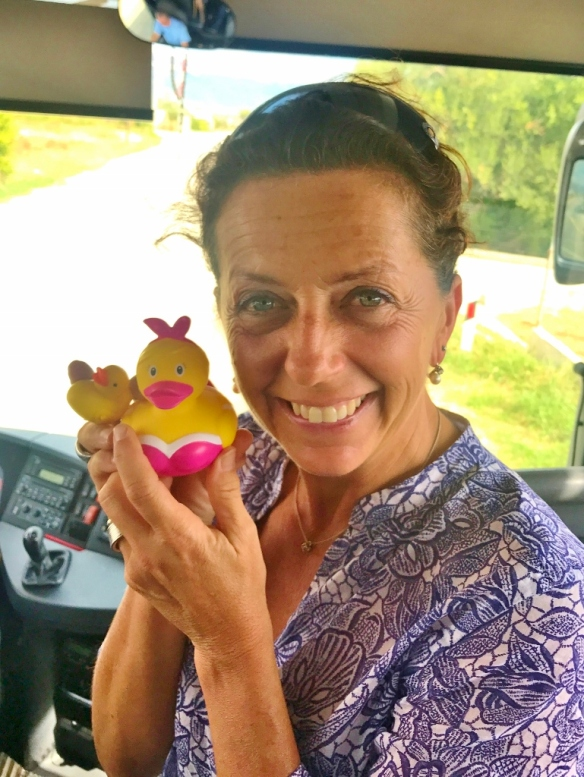 05-43 Elisabetta-Mother Duck Award (769x1024)