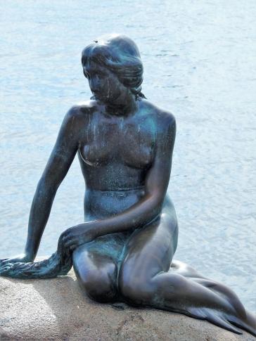 02-01 Copenhagen-Little Mermaid (768x1024)