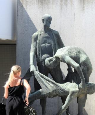 02-29 Sachsenhausen sculpture