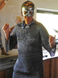 06-23 Arhus-Viking ring fortress-King Tim the Terrible in his 15kg armour-2